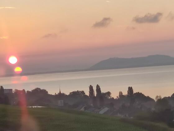 Sonnenaufgang Neuenburgersee